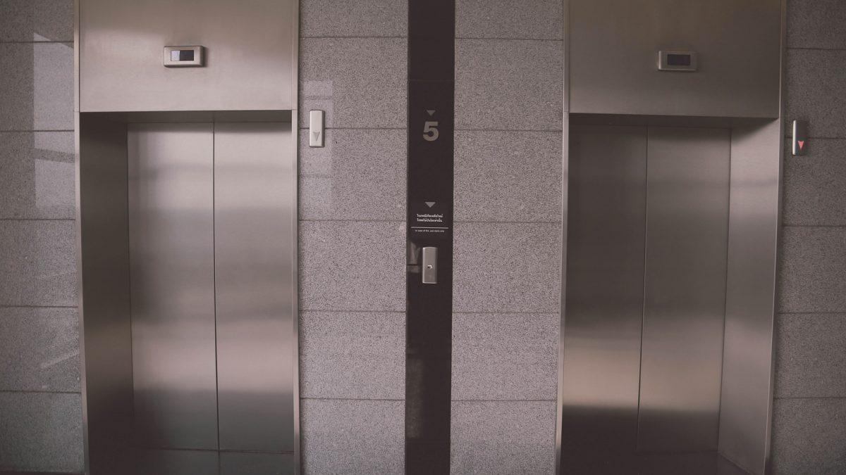 diferencias entre ascensor electrico y ascensor hidraulico